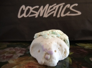 Lush Cosmetics The Christmas Hedgehog Bubble Bar